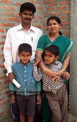 Nepal releases a Christian couple.