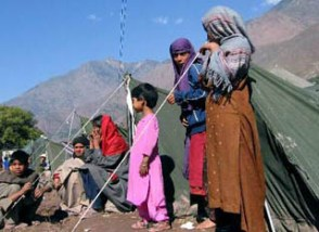 Christians help bring warmth to children in Pakistan's quake zone.