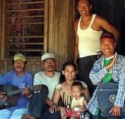 Story-tellers are teaching villages in the Philippines about Christ