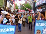Upcoming Turkish elections send believers to their knees