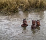 Thousands flee flooding in southern Africa; ministry responds