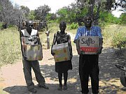 Southern Baptists deliver boxes of food to Zimbabwe poor
