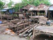 Volunteer groups lead Myanmar aid efforts