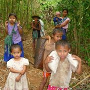 Karen flee Burma army attacks