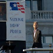 Ministry urges prayer despite court ruling