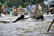 Flooding displaces millions in India