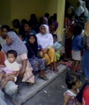 Indonesia's volcano victims who lived over 10 km away can now return home