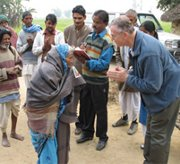 People and blankets needed for India