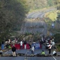 Protestors' highway blockades bring ministry to a halt
