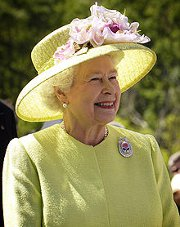 Queen, Biblica to give away 450,000 New Testaments for Diamond Jubilee