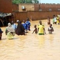Flash flooding displaces thousands in Niger