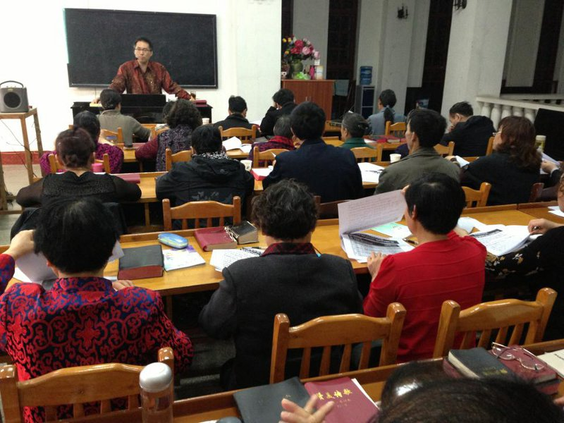 Students come to learn English, hear Gospel