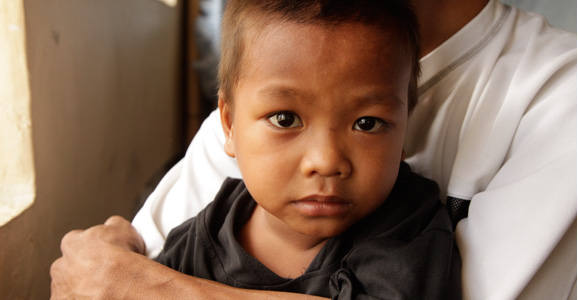 Help a child victim of Typhoon Haiyan