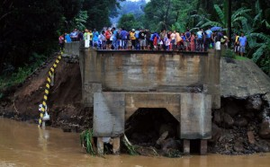 Bridge out because of flooding in the Philippines