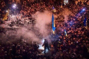 """Riot police face off with protestors in Kiev's """"Maidan"""" or Independence Square. (Image, caption courtesy SGA)"""