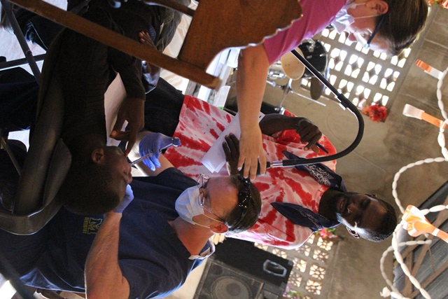 Mobile dental clinic cares for Haitians