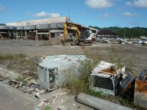 Damage left by the 2011 tsunami. (Photo cred: Tamaki Seto via Wikimedia Commons)