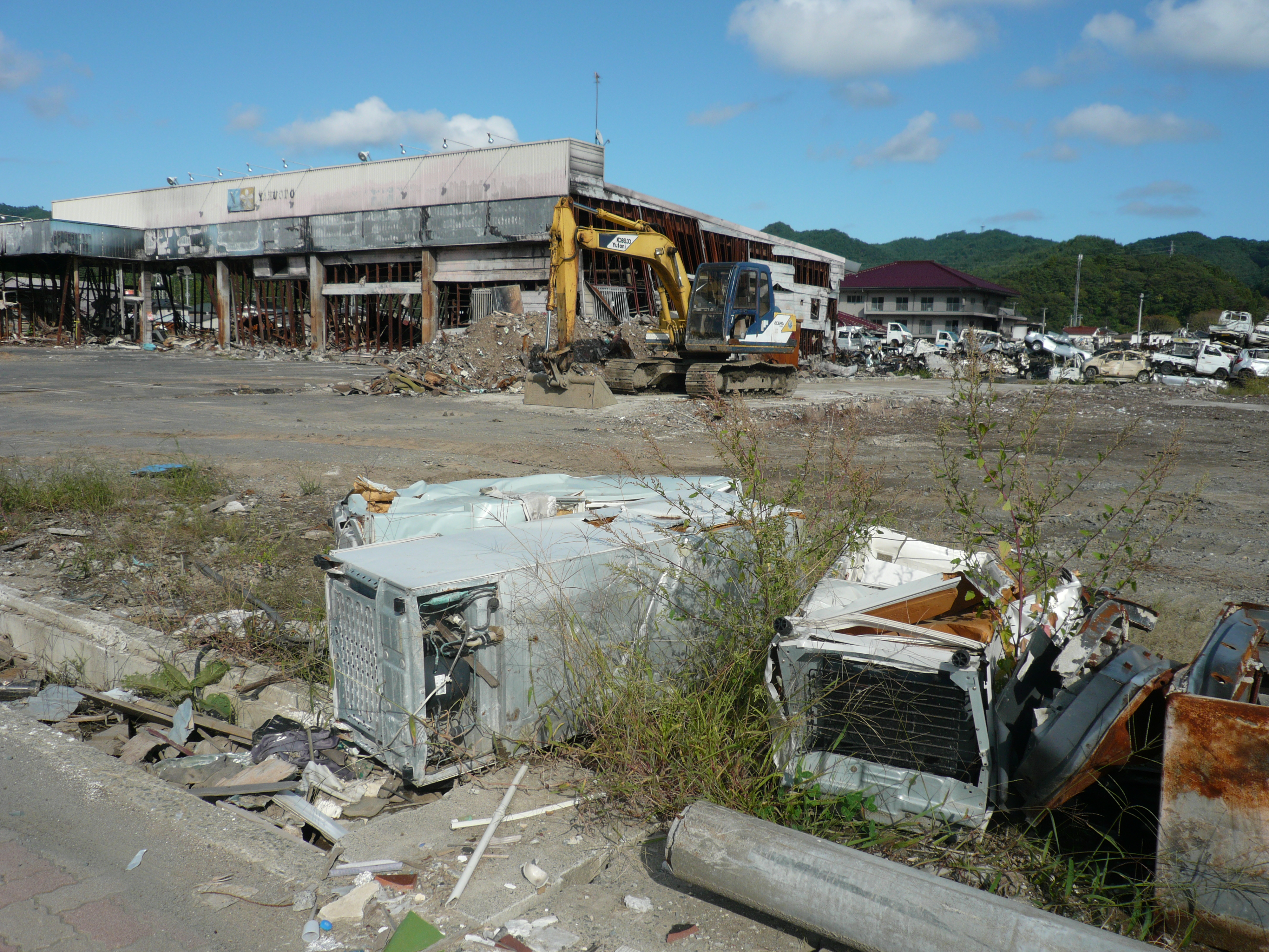 Japan disaster recovery efforts falter