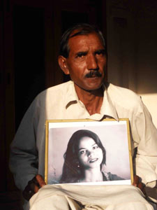 (Photo courtesy Voice of the Martyrs Canada)  Asia Bibi's husband