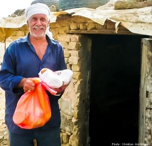 Christian Aid Mission assists a Middle East ministry that provides emergency aid and gospel materials to Syrian refugees in Iraq and Jordan.  (Image, caption courtesy Christian Aid)