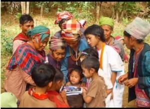 Pray for Burma (Photo Courtesy of Vision Beyond Borders)