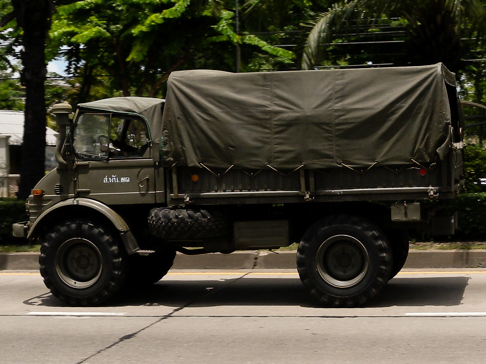 Army imposes martial law in Thailand