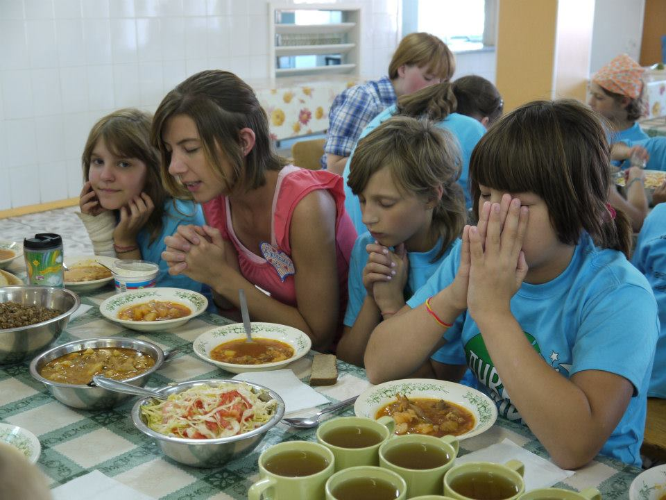 Russian summer camp leads children to Christ