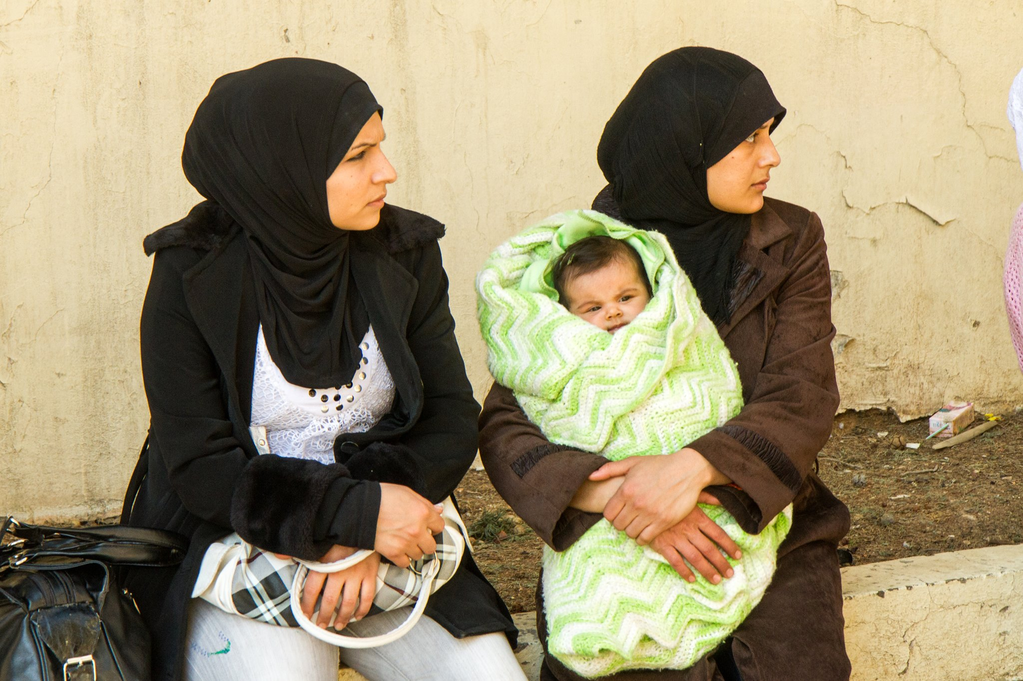 Syrian refugees finding peace a scarce commodity