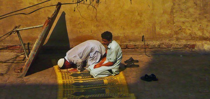 FMI_Muslim prayer in Pakistan