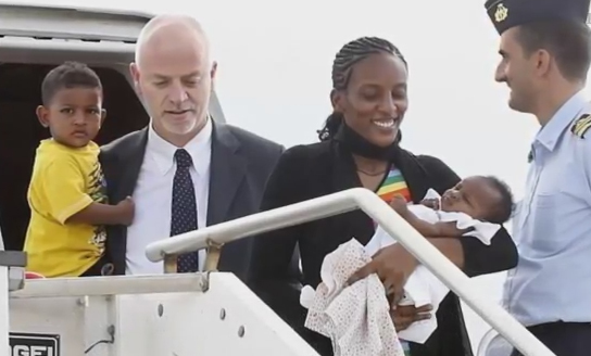 Meriam Ibrahim freed, meets Pope