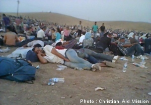 People flee as ISIS pushes North (Photo by Christian Aid Mission)
