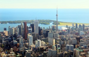 (Photo Toronto, CN skyline courtesy Wikipedia)