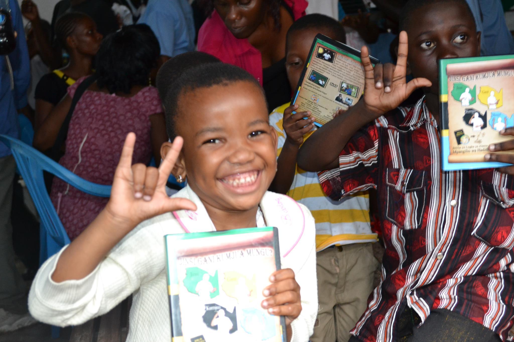 Deaf outreach in Burundi continues despite violence