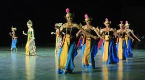 Javanese dance featuring Ramayana Ballet.  (Photo, caption courtesy Gunawan Kartapranata via Wikimedia Commons)