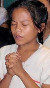 VBB_young girl praying 12-19-14