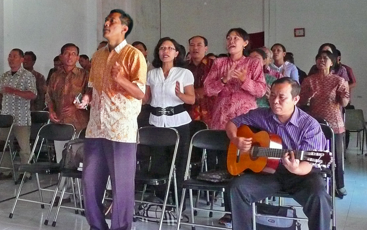 FMI equips pastors for ministry during Ramadan