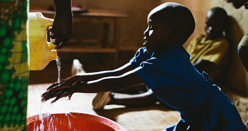 Rwandan village provided with clean water