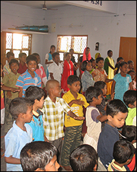 Bible Camps in India share the Gospel with families