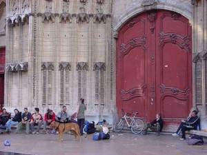 This basilica in Lyon, France, is a gathering place for the homeless, troubled youth and street performers. However, tourists and the occasional worshipper are the ones who venture inside. (Photo courtesy of Pioneers USA)