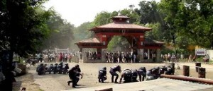 Government forces square off against Nepali protesters.  (Twitter)