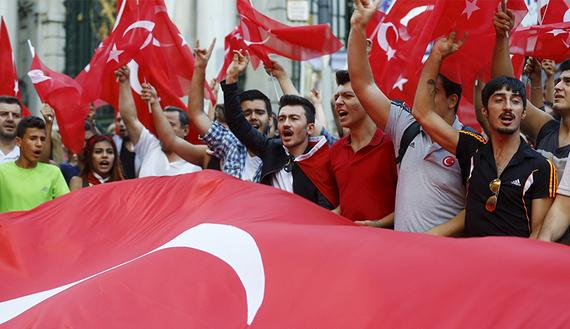 Turkey cracks under mounting pressure