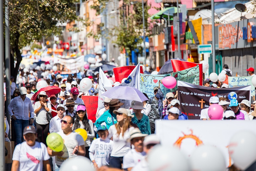 Christians march peacefully through Quito