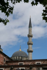 Mosque in Istanbul, Turkey (Photo courtesy of rachaelvoorhees via Flickr)