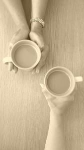 coffee-hands-conversation-date-pixabay