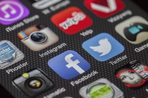 social-media-facebook-twitter-instagram-pixabay