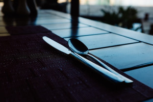 table-silverware-place-setting-dinner-meal-food-pixabay