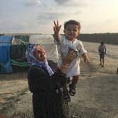 cam-refugee-child-woman-baby-muslim