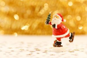 santa-claus-christmas-tree-pixabay