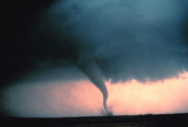 Weekend tornadoes' death toll in southern U.S. surpasses 2016