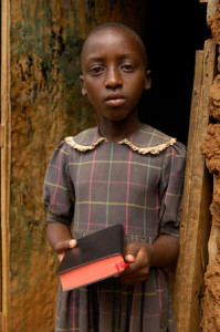 rwanda-girl-in-doorway_M